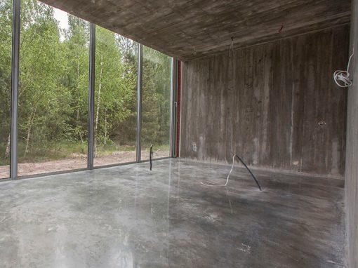 Kotedžų komplekso betoninių grindų paruošimas poliravimui bei apsauga nuo dulkėtumo bei dėmėtumo