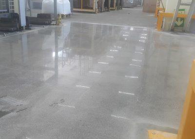 Maisto pramonės gamybinių patalpų grindų apsauga nuo dulkėtumo bei paviršiaus išdilimo
