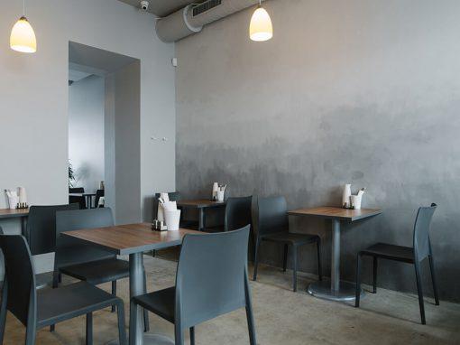 Kavinės-baro sauso tinko sienų ir senų betoninių grindų paviršiaus remontas bei dekoratyvinė apdaila