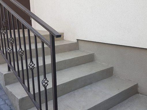 Privataus namo senų betoninių lauko laiptų paviršiaus remontas ir apsauga nuo išorės poveikio
