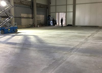 Maisto pramonės gamybinių patalpų grindų betonavimas ir tinkama kietėjančio betono priežiūra