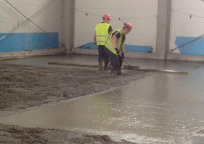 Kietėjančio betono priežiūra ir hidroizoliacija su SINAK S-102™